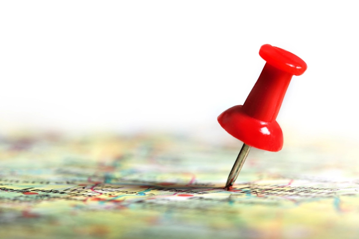 What is the use of personalised push pin map? Why should you have one?