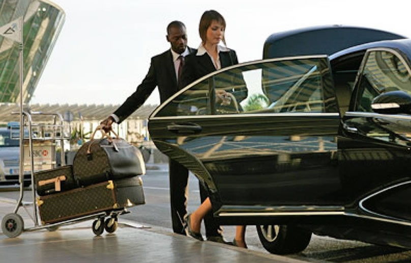 Why Should You Hire A Car Service in Chicago?