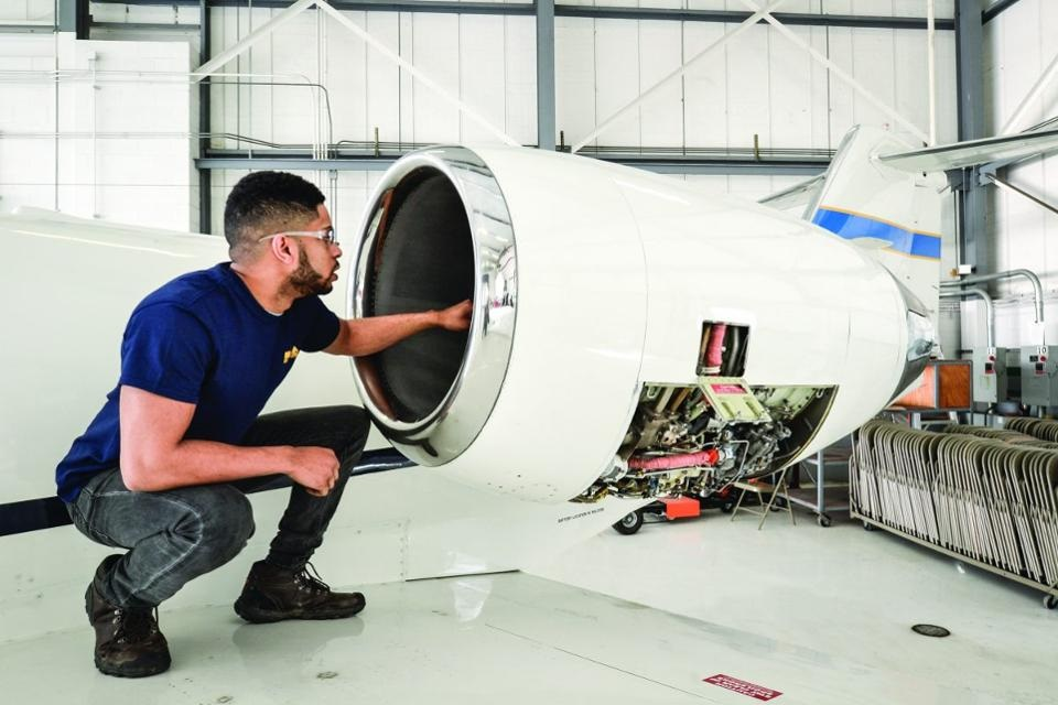 Skills You Need To Become an Aircraft Mechanic