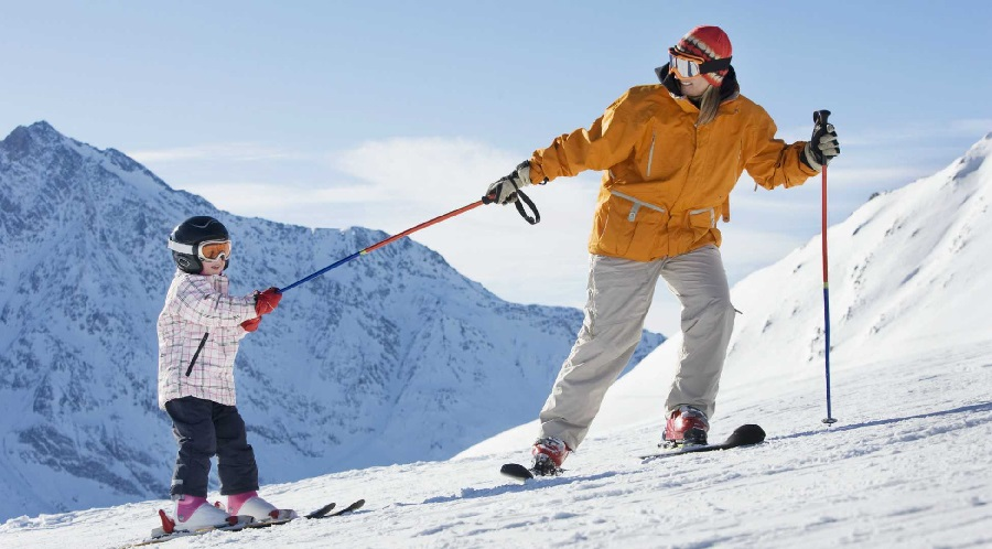 How to Plan Your First Ski Trip