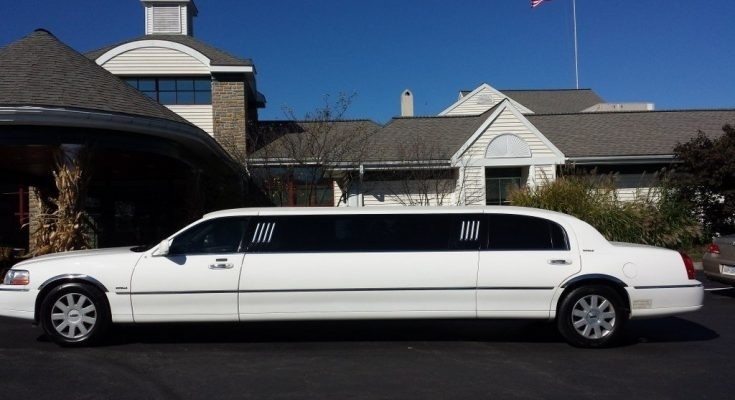 A Few Tips To Choose The Best Limo Service For Your Wedding